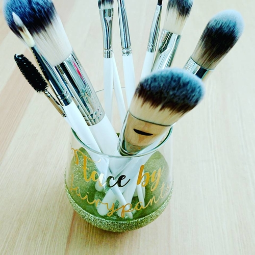 Vegan makeup brushes by Fairypants